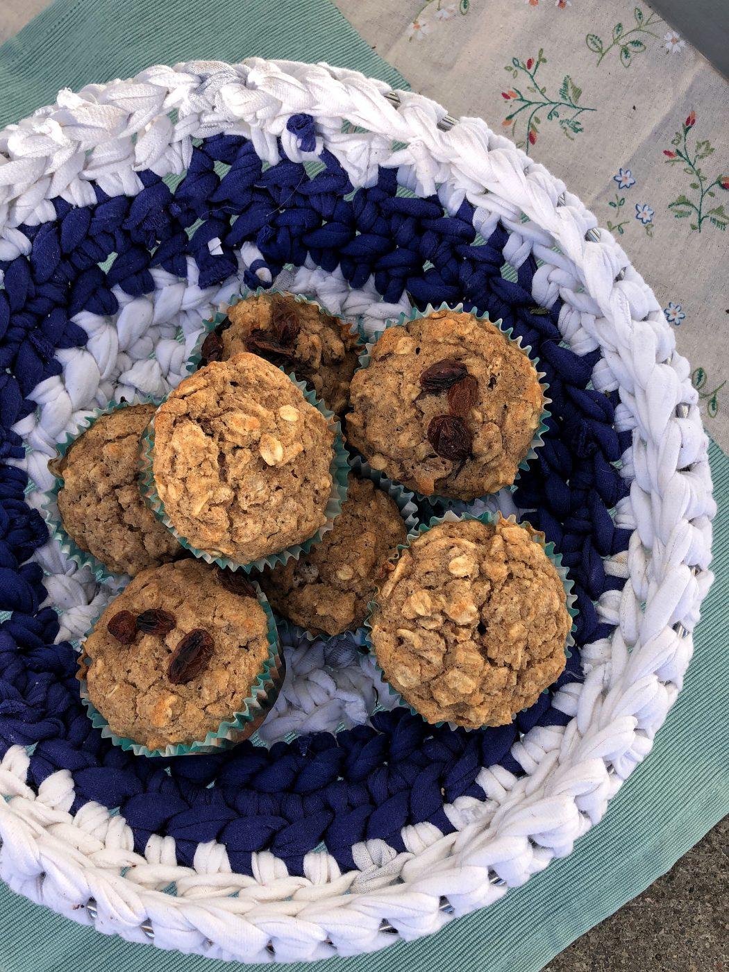 https://tastesbetterfromscratch.com/healthy-applesauce-oat-muffins